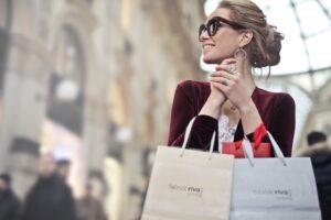 kvinde-shopper