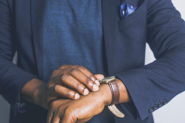 Mand har et godt ur på armen